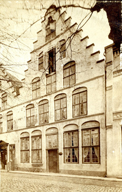Mittelburgwall 24